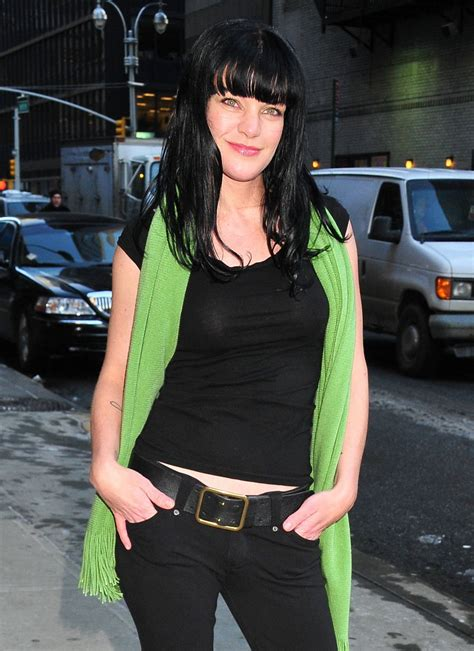 Pauley Perrette - Outside The late show with David