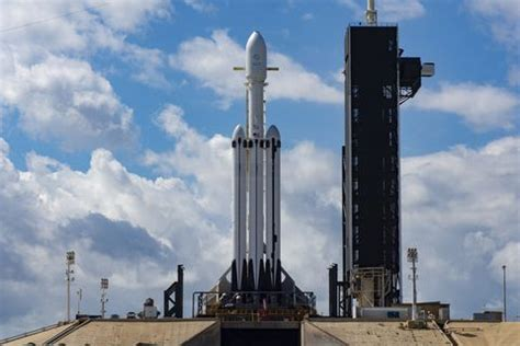 SpaceX Lands All Three Falcon Heavy Boosters for the First