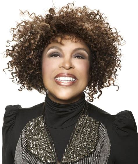 dionne warwick roberta flack and mary wilson on legends