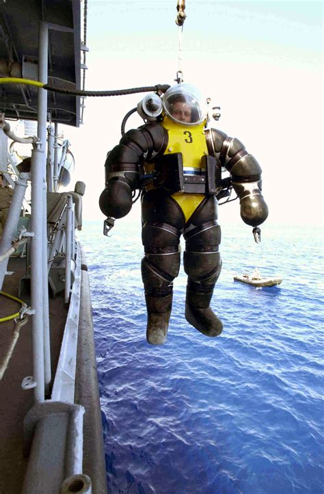 The Evolution Of The Atmospheric Diving Suit | Gizmodo