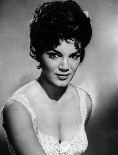 Connie Francis - Biography & Pictures | ChordCAFE
