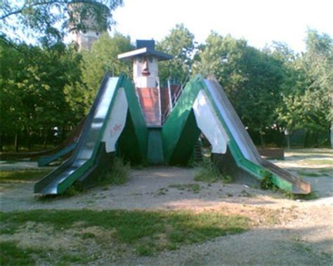40 Scary Playgrounds Will Give Your Children Nightmares
