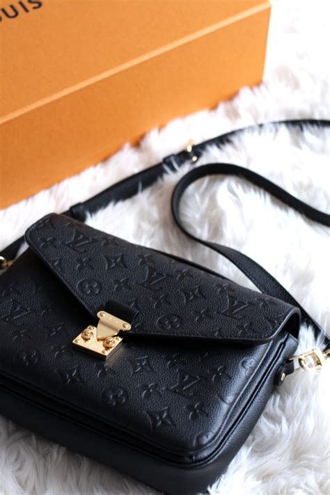 New In: Louis Vuitton Pochette Metis - The Lovecats Inc