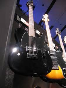 NAMM 2012: Brand New Jim Root and Avril Lavigne Squier