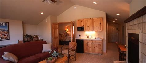 Guest Rooms - Mountain Lake Lodge
