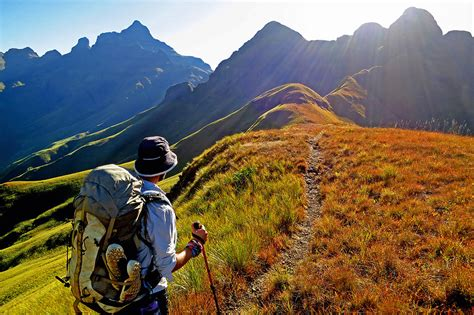 8 Drakensberg hiking routes recommended by experts