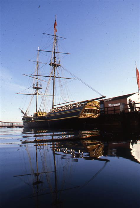 File:Boston Tea Party Museum, with Brig Beaver (8636639527