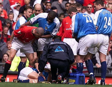 Two Minutes Sport: Worst Tackles in Football Ever