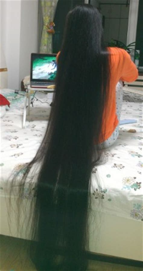 shuiguanglianyan let her long hair down after shampooing
