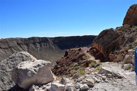 My Visit to the Massive Meteor Crater - Jaunting Jen