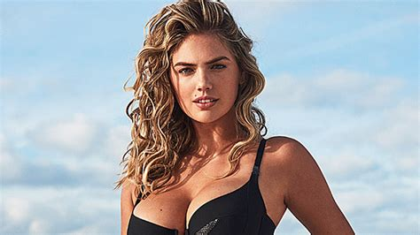 Kate Upton Flaunts Post-Baby Bod In Black Swimsuit: See