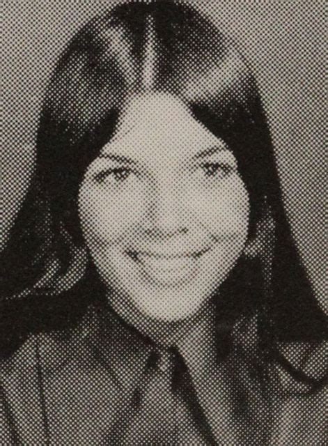 33 Photos Of Young Kris Jenner That Prove She's Life Goals