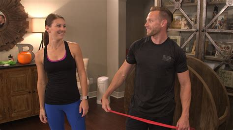 Couple Workouts with the Busbys: Abs and Legs | TLCme | TLC
